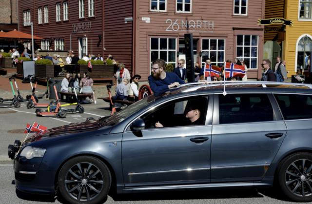 Bilkortesjen startet ved Lagunen, via Bergen sentrum og endte ved Åsane senter.