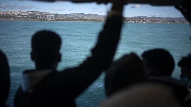 Økende bruk av tvang og bortvisning av flyktninger og asylsøkere i Europa bekymrer FN, som advarer om at selve asylinstituttet er under angrep.