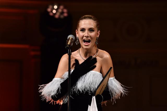 «Årets influencer: Beauty»-prisen gikk til Leah Isadora Behn under Vixen awards 2021 på den Gamle Logen Oslo. Foto: Naina Helén Jåma / NTB