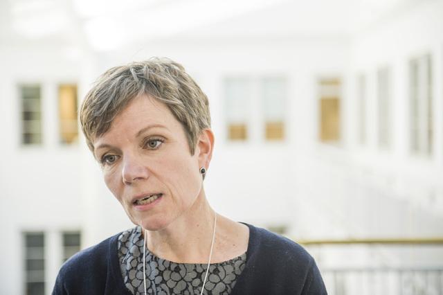 President Marit Hermansen i Den norske legeforeningen mener kjennelsen fra Rikslønnsnemnda er alvorlig. Foto: Fredrik Varfjell / NTB