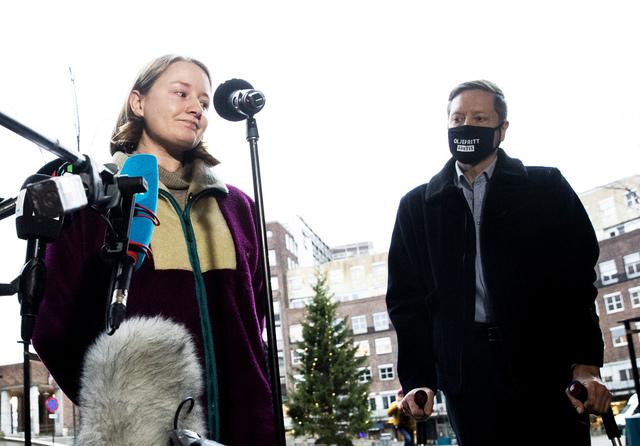 Therese Hugstmyr Woie, leder i Natur og Ungdom og Frode Pleym, leder i Greenpeace Norge, etter at de tapte klimasøksmålet i Høyesterett i 2020. Nå har organisasjonene og flere aktivister klaget inn den norske stat til Den europeiske menneskerettighetsdomstolen. Foto: Berit Roald / NTB