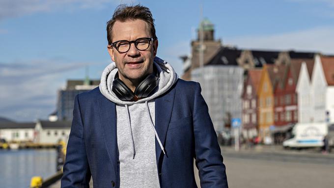 JUL: Bjarte Hjelmeland skal lage juleteater i Bergen.