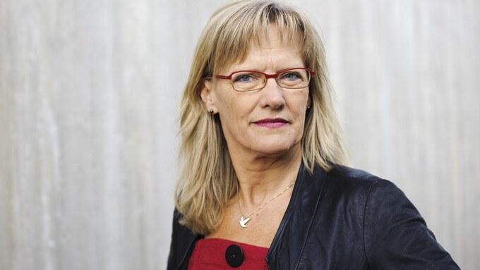 Karin Andersen mener regjeringen må komme med egen krisepakke til kommunene raskt.