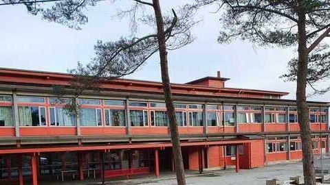 Sandgotna skole er stengt etter flere bekreftede smittetilfeller den siste uken.