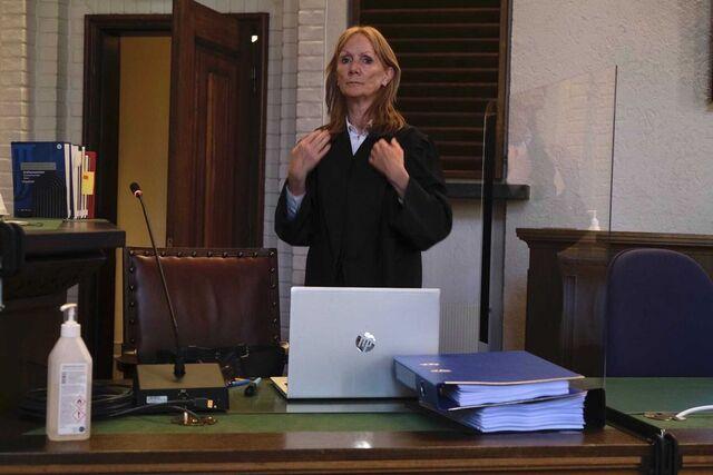 Anne Kroken forsvarer kvinnen.