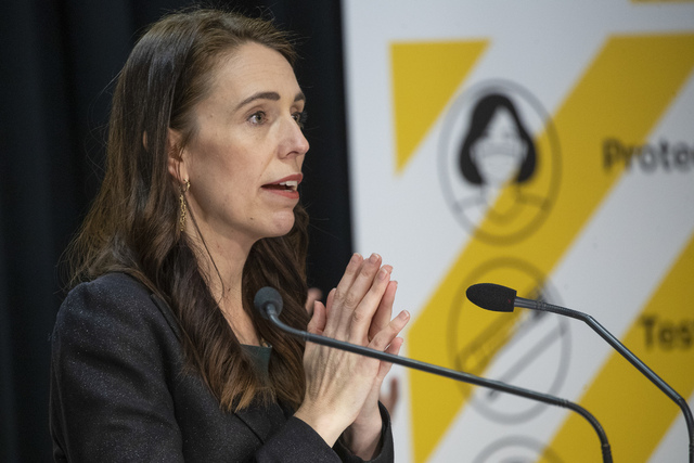 Statsminister på New Zealand, Jacinda Ardern, har forlenget nedstengingen av landets største by Auckland i ytterligere to uker. Arkivfoto: Mark Mitchell / AP / NTB