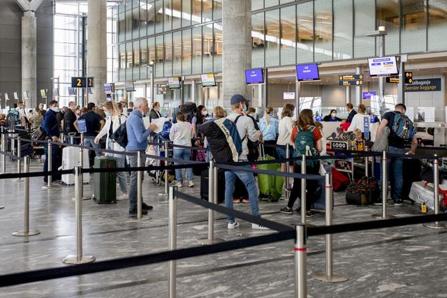 Det innføres strakstiltak på Oslo lufthavn i helgen som følge av lange køer den siste tiden.  Foto: Hanna Johre / NTB
