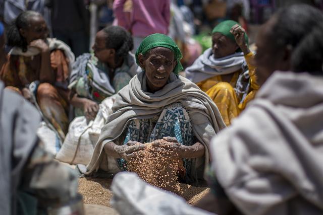 Millioner av mennesker trenger matvarehjelp i Etiopias Tigray-region, og FN er ekstremt bekymret over situasjonen der. Foto: Ap / NTB