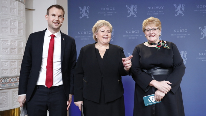 STYRER: KrF-leder Kjell Ingolf Ropstad, statsminister og Høyre-leder Erna Solberg og Venstre-leder Trine Skei Grande.