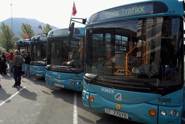 Bussene Enniken, Fenniken, Fiken og Foken gikk i Bergen sentrum i 2003