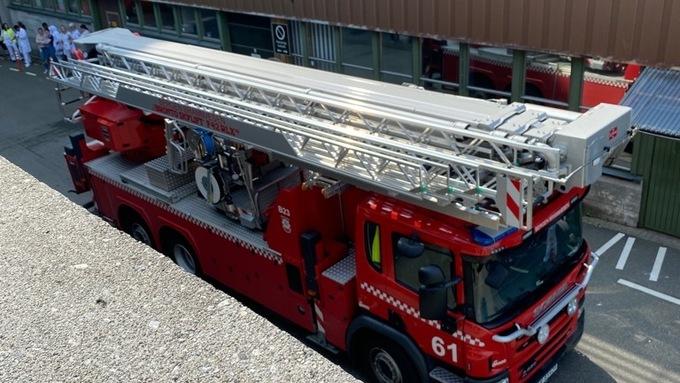 Tirsdag ettermiddag rykket brannvesenet ut til Haukeland universitetssykehus, etter melding om røyk i en korridor.