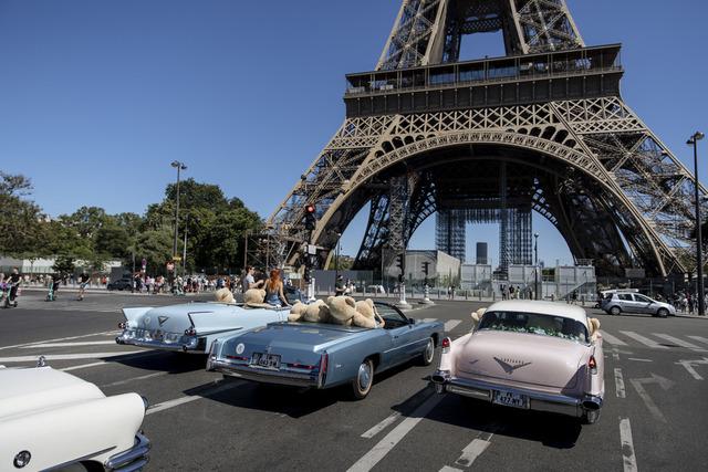 Fra torsdag er det ikke lenger påbud om bruk av munnbind utendørs i Frankrike. Foto: Lewis Joly / AP / NTB