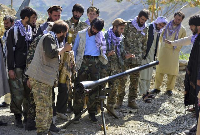 Krigere som er lojale til Ahmad Massoud avbildet i Panjshir mandag 30. august. Foto: Jalaluddin Sekandar / AP / NTB