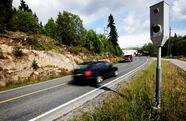 Færre kjører for fort forbi fotoboksene som er satt opp langs norske veier. Foto: Kyrre Lien / NTB