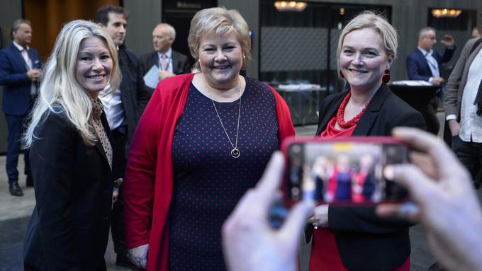 Fra venstre: Siri Kalvig, Erna Solberg og Tone Grindland.