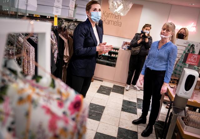 Statsminister Mette Frederiksen besøkte et kjøpesenter i Hillerød 22. april, etter at koronarestriksjonene var trappet ned.