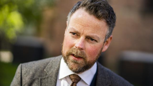 Arbeids- og sosialminister Torbjørn Røe Isaksen (H) sender fire forslag til redusert trygd for arbeidsinntekt på høring.