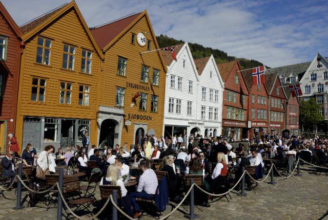 I 17.30-tiden var det god stemning på Bryggen.