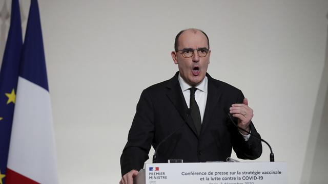 Frankrikes statsminister Jean Castex vil gi gratis koronavaksine til alle