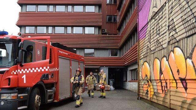 Brannvesenet rykket ut etter røykutvikling på Spelhaugen onsdag formiddag.