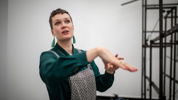 KJØTT: Eva Rowson avbildet da hun var kurator for Masterutstillingen i Bergen i vår.