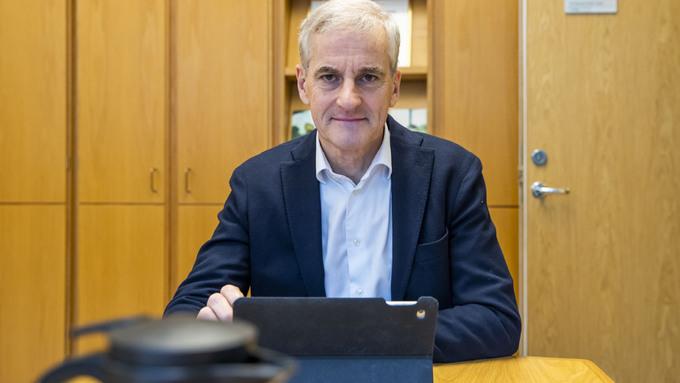 OPPOSISJONEN: Ap-leder Jonas Gahr Støre ble overrasket over Hareide sin inntreden i regjeringen.