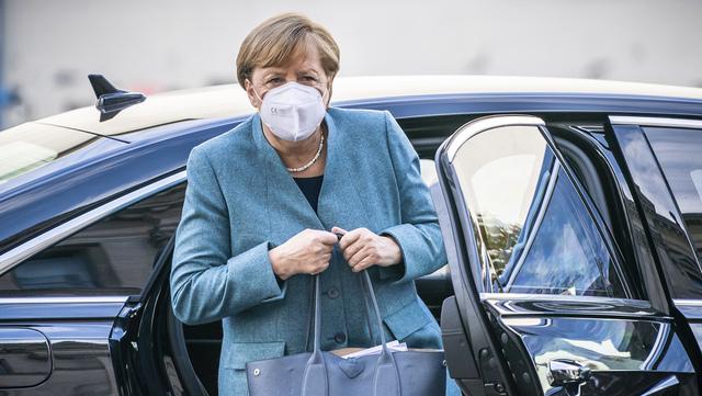 Angela Merkel skal presentere nye, innskjerpede regler i Tyskland.