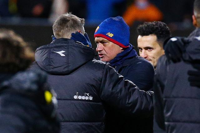 José Mourinho får høre det av italienske medier etter tapet mot Bodø/Glimt torsdag. Foto: Mats Torbergsen / NTB