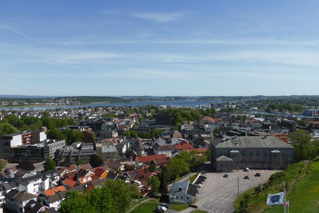 Smitteutbruddet i både Tønsberg og Færder har fått store konsekvenser. Nå er en mann i slutten av tenårene kalt inn til avhør hos politiet. Foto: Berit Keilen / NTB