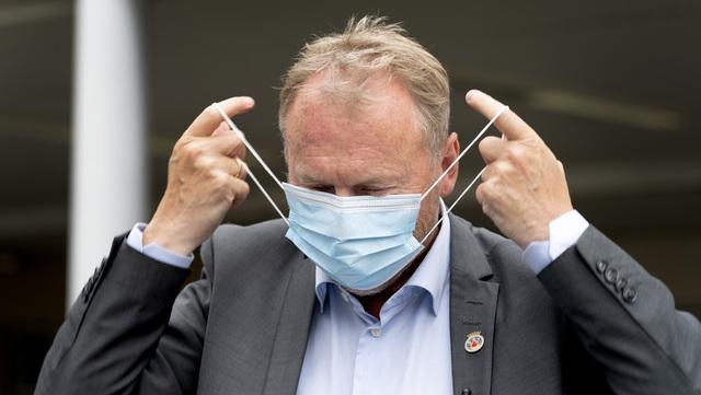Byrådsleder Raymond Johansen har sagt at anbefalingen om å bruke munnbind ved trengsel i Oslo, kan endres til påbud dersom situasjonen forverrer seg.