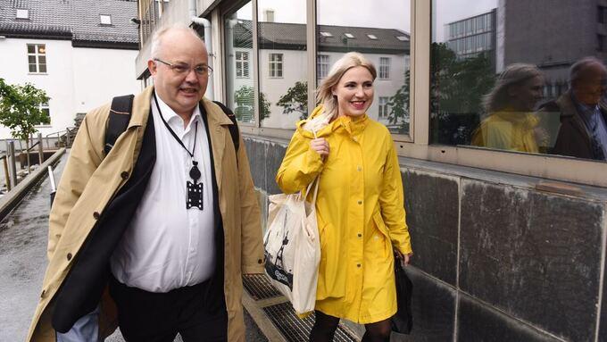SNAKKER VIDERE: Ove Sverre Bjørdal (Sp) og Sofie Marhaug (Rødt).