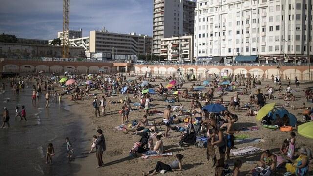 Bildet er fra stranden Plage des Catalans i Marseille.