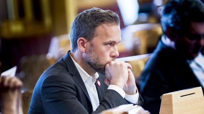 SV-leder Audun Lysbakken kaller statsbudsjettet visjonsløst og smålig.