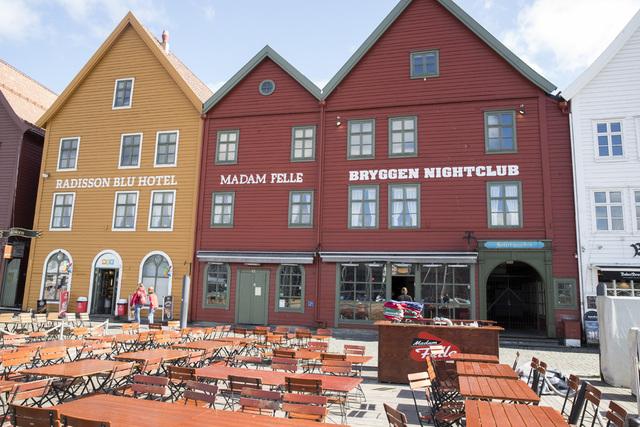Flere restauranter i Bergen har blitt nødt til å stenge enkelte dager på grunn av kokkemangel. Restaurantene på bildet er ikke omtalt i saken. Illustrasjonsfoto: Terje Pedersen / NTB