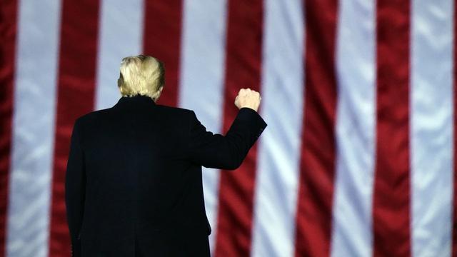 Et flertall av amerikanere vil ha president Trump vekk.