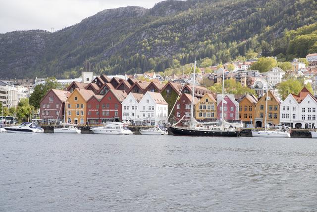 Det siste døgnet har 48 personer fått påvist koronaviruset i Bergen kommune. Smitten er størst blant unge voksne. Foto: Terje Pedersen / NTB