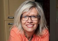Bokanmeldelse: Lene Lauritsen Kjølner «Dakota rød»