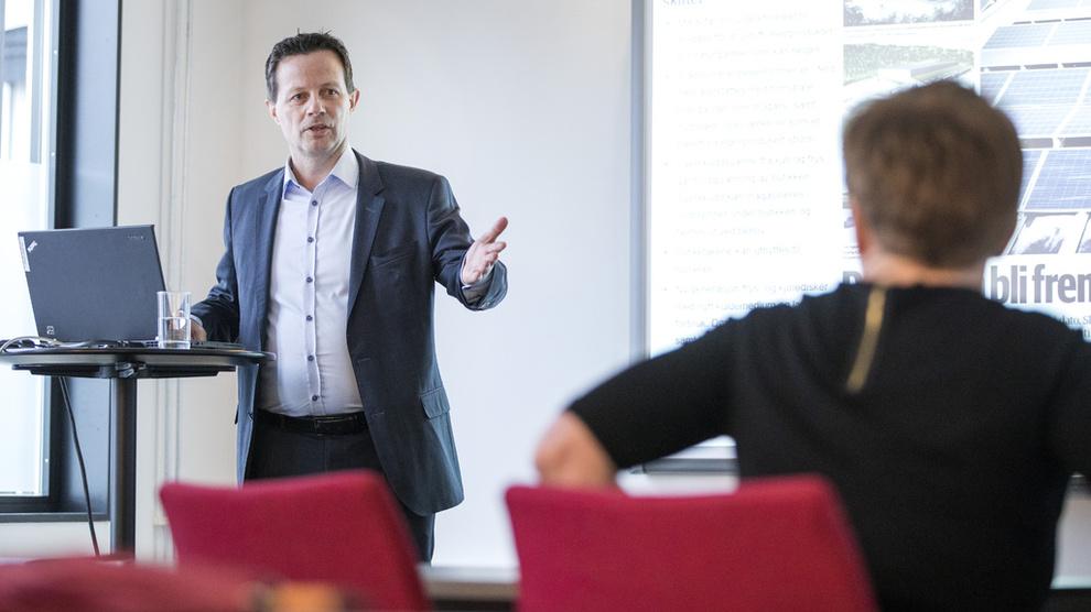 <p><b>MATSJEF:</b> Konsernsjef Runar Hollevik i Norgesgruppen presenterte torsdag resultatet for 2018 og var klar på at både teknologiselskaper og europeiske dagligvarekjemper er interessert i det norske markedet. (bildet er fra en annen anledning)</p>