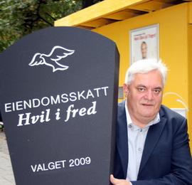 <p><b>SVART HUMOR:</b> Generalsekretær i Huseiernes landsforbund, Peter Batta, i forbindelse med valget i 2009.</p>