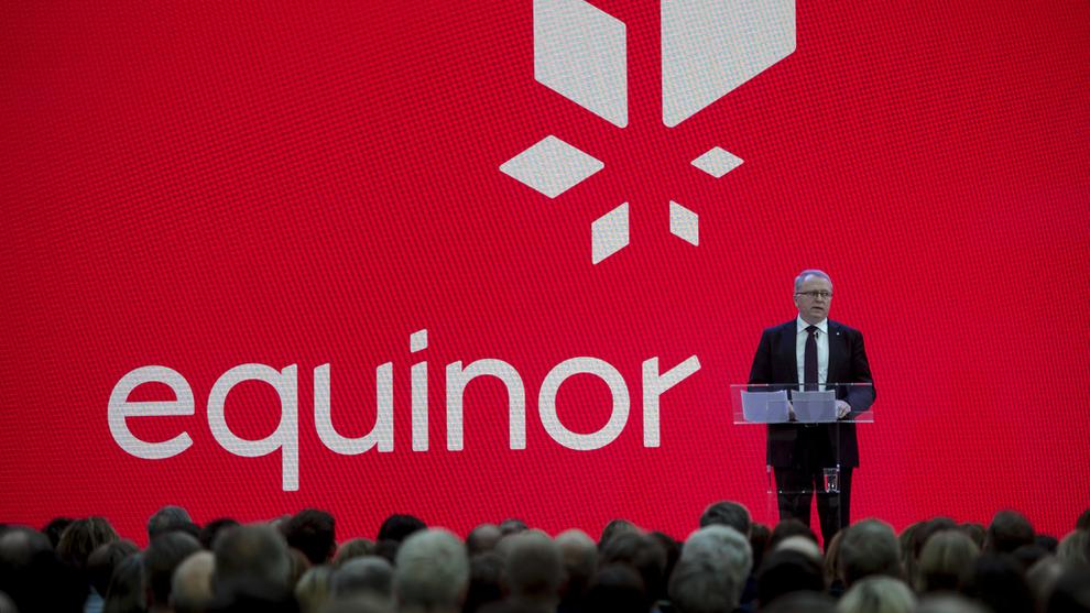 <p><b>SIER NEI:</b>Equinors styre anbefaler aksjonærene å stemme mot et forslag om at selskapet skal ta ansvar også for kundenes utslipp når de bruker Equinors olje og gass. Bildet viser Eldar Sætre i forbindelse med selskapets navneskifte i fjor.</p>
