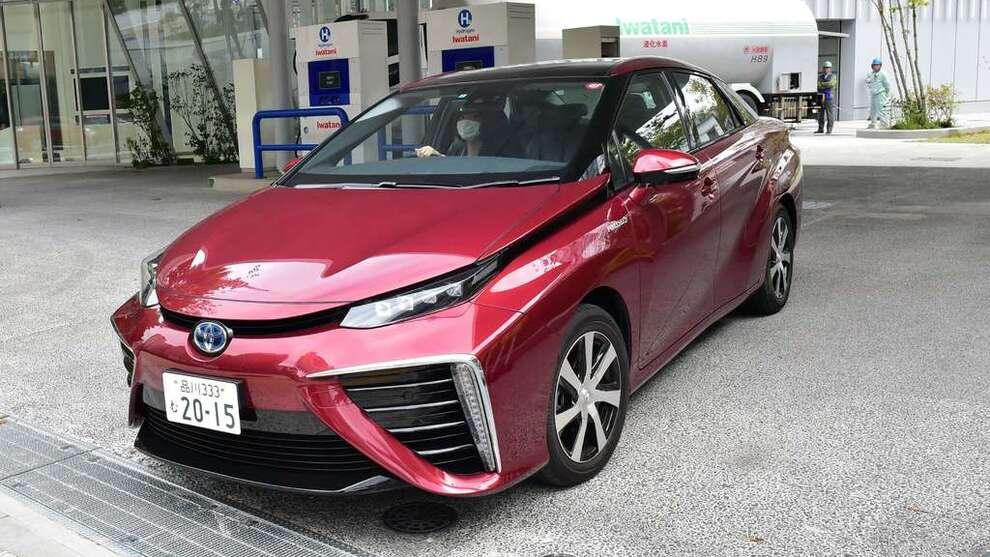 <p><b>HYDROGENBILPRODUSENT:</b> Toyota er blant de ledende på produksjon av hydrogendrevne biler. Her fra Kina.</p>