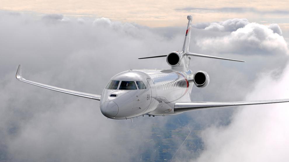 <p><b>NYTT PRIVATFLY:</b>Kjell Inge Røkkes Aker har gjort en delbetaling på et nytt privatfly til rundt en halv milliard kroner, en Falcon 8x fra Dassault. Med det programmet ledelsen i Aker har, er det ifølge selskapet nødvendig med privatfly.</p>