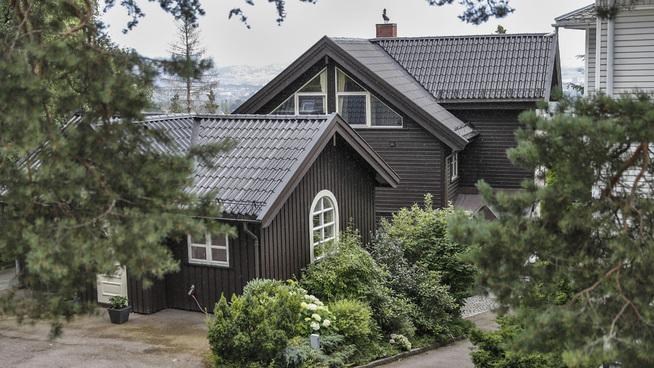 <p><b>GJESTEHUS:</b> Villaen har også et gjestehus på 40 kvadratmeter som Therese Johaug og hennes kjæreste, roeren Nils Jakob Hoff, nå vil leie ut.</p>