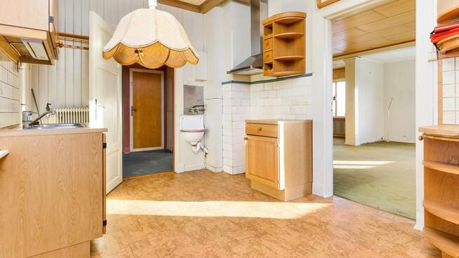 <p><b>UFERDIG:</b> Ny kjøkkeninnredning kan være på sin plass. Og nytt gulv.<br/></p>