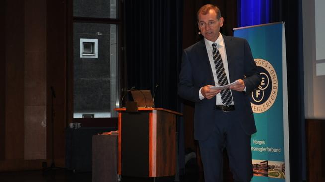 <p><b>FRYKTER KLASSEBY</b>: Administrerende direktør Carl O. Geving sa i sitt foredrag på Boligkonferansen at han mener Olso må få opp boligbyggingen.</p>