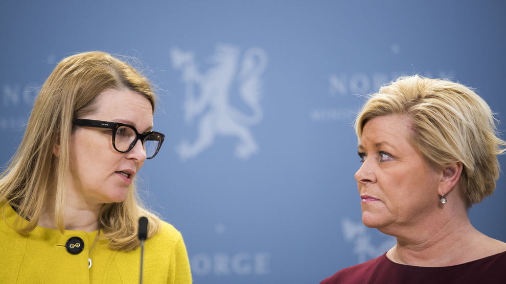 <p><b>BOLIGBOBLE:</b> OECD ved assisterende generalsekretær Mari Kiviniemi (t.v.) advarer Norge og finansminister Siv Jensen (Frp) mot boligboble i ny rapport.</p>