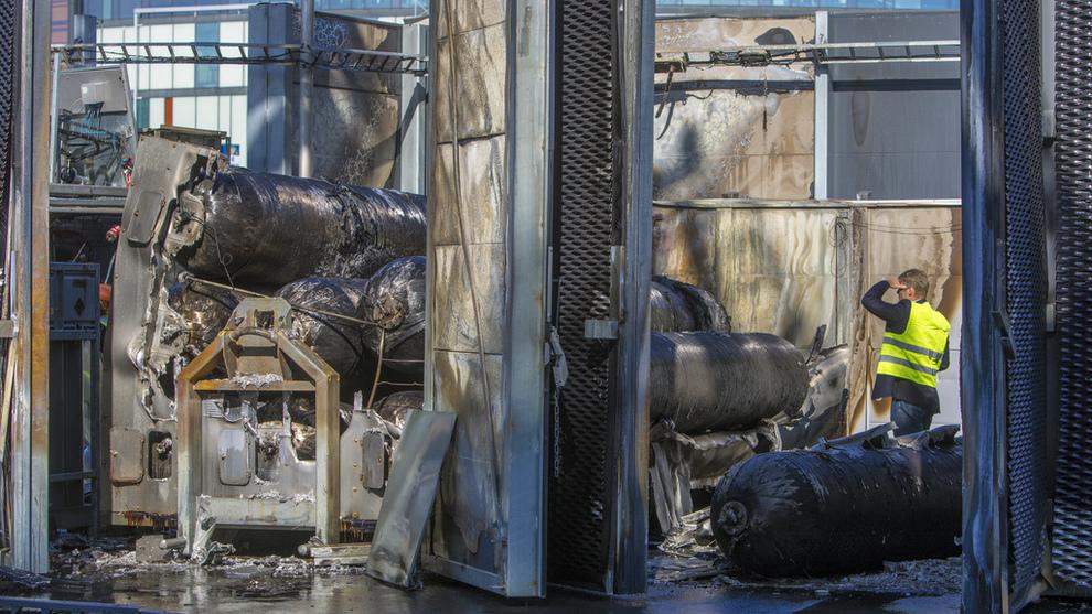 <p><b>KRAFTIG SMELL:</b> En hydrogentank eksploderte på en Uno-X-stasjon i Sandvika mandag. Årsaken er ikke kjent.</p>
