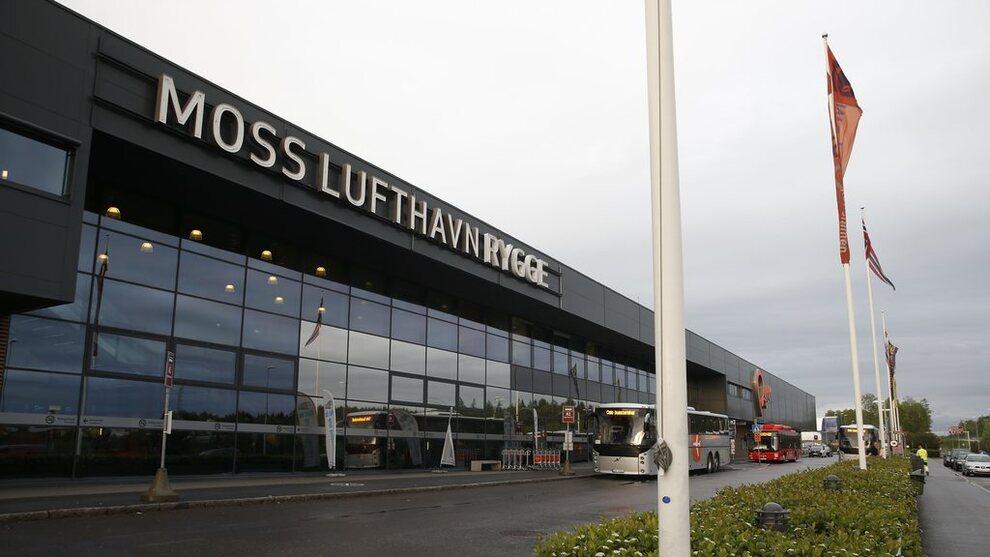 <p><b>NÆR REDNING?</b> En gruppe private investorer vil fortsette driften på Rygge lufthavn.</p>
