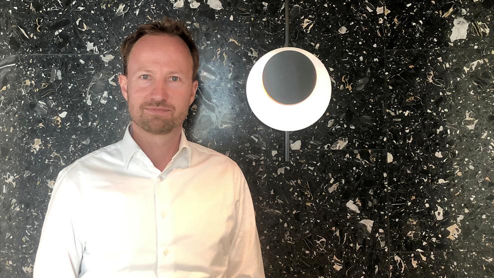<p>EQT-sjef Christian Otto Sinding poserer her for et bilde i EQTs hovedkvarter i Stockholm.</p>