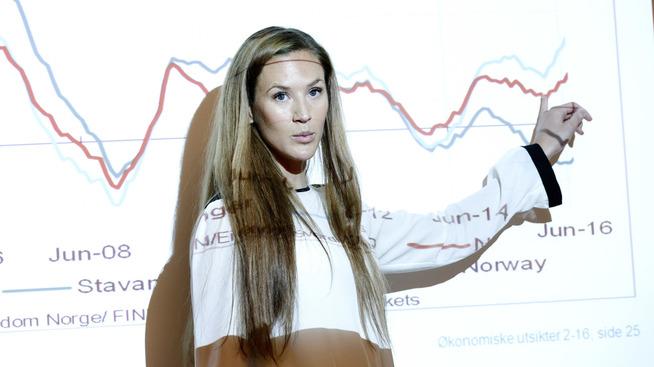 <p><b>VENTET VEKST:</b> Økonom Jeanette Strøm Fjære i DNB Markets påpeker at veksten blant annet drives av en sterk oppgang i vareforbruket i andre kvartal.</p>